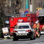 サイレンを鳴り響かせて火災現場へぞくぞくと集結する消防車。Fire trucks gathering one after another.