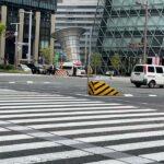 【緊急走行】タクシーの好判断で救急車が赤信号突破!!