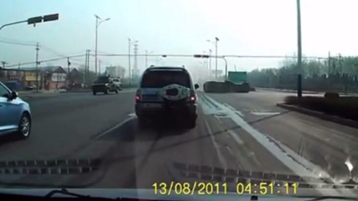【ドラレコ】危険運転 事故映像 煽り運転 ヒヤリハット 衝撃的な映像#16