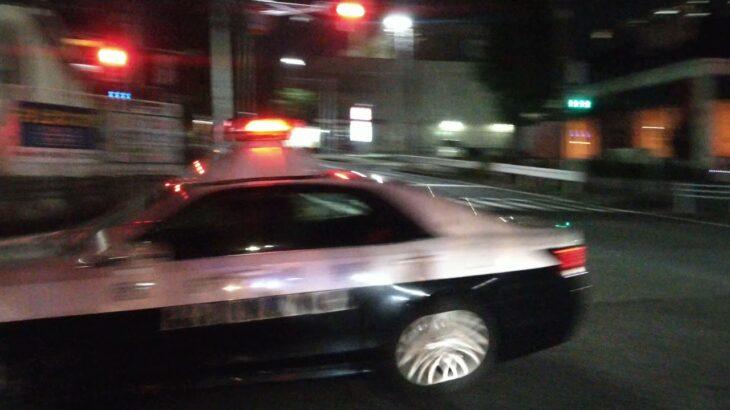 愛知県警のパトカー緊急走行 愛知県名古屋市名東区の猪高車庫前交差点前 2021.9.13