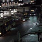 次から次へ乱横断!自転車右側通行・歩道を我が物顔で走る電動キックボード・無灯火・放置駐車!乗降客数世界1位新宿駅前ロータリーの何でもありの危険な日常