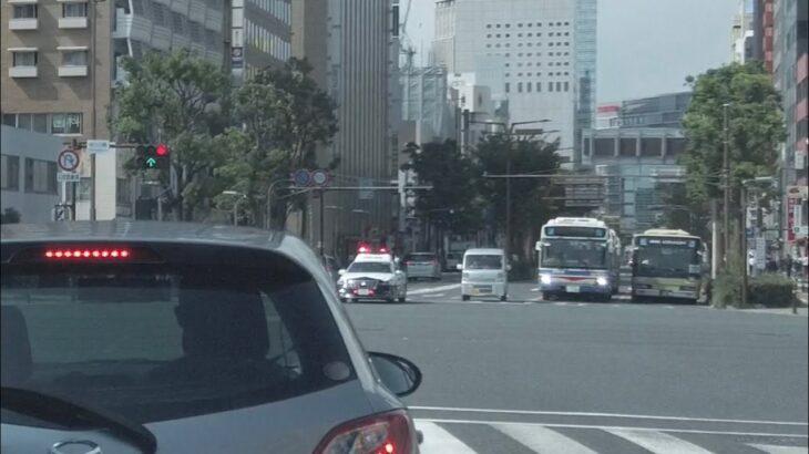 【緊急走行】【Uターン禁止】 違反車を検挙に向かうパトカー